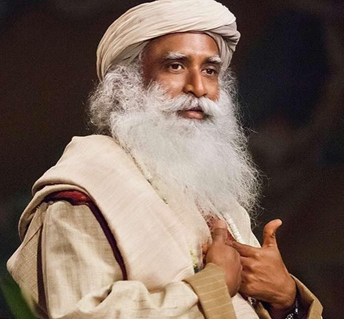 Sadhguru enseña meditación