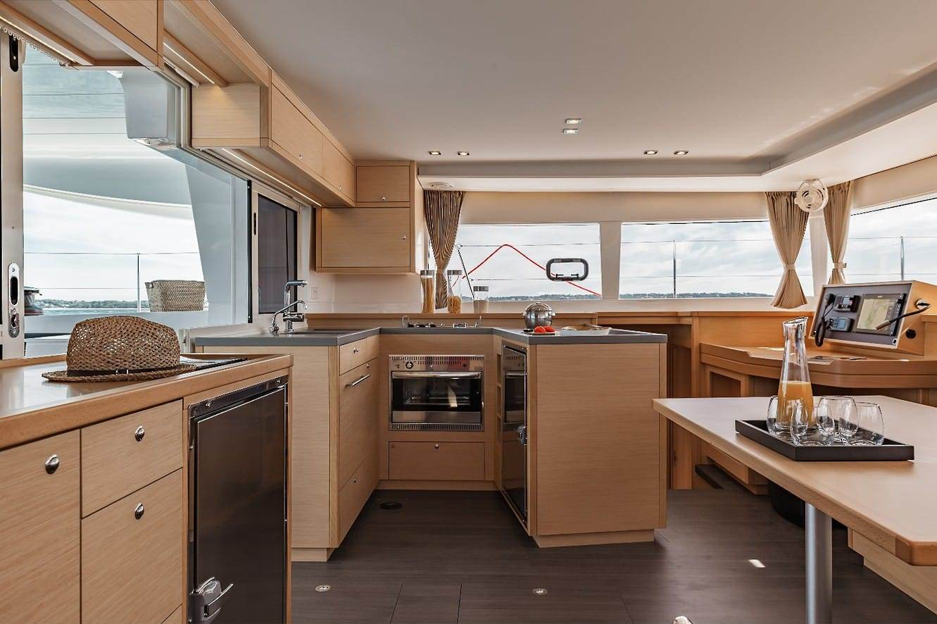 boat-interior-1