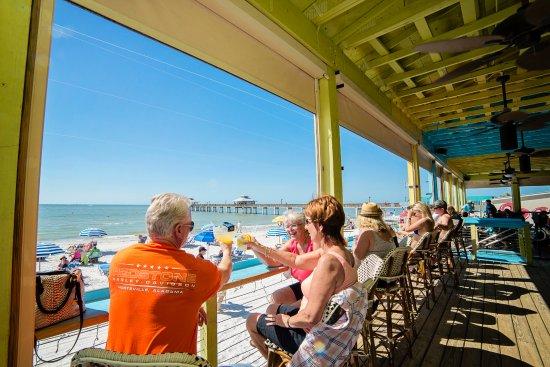 Waterfront dining & fun