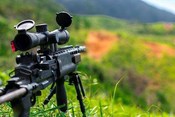 """""""צופים מהיציע"""": תופעת הבכירות הצבאית במשקפי בכירים באזרחות שפרשו מצה""""ל"""