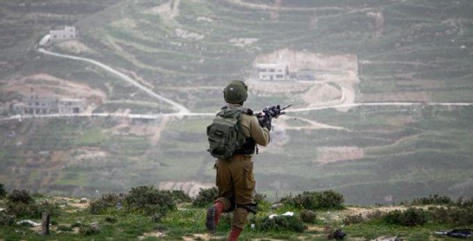 """""""מלחמות היברידיות"""" בסביבות מורכבות: מנהיגות בצבאות בני זמננו"""