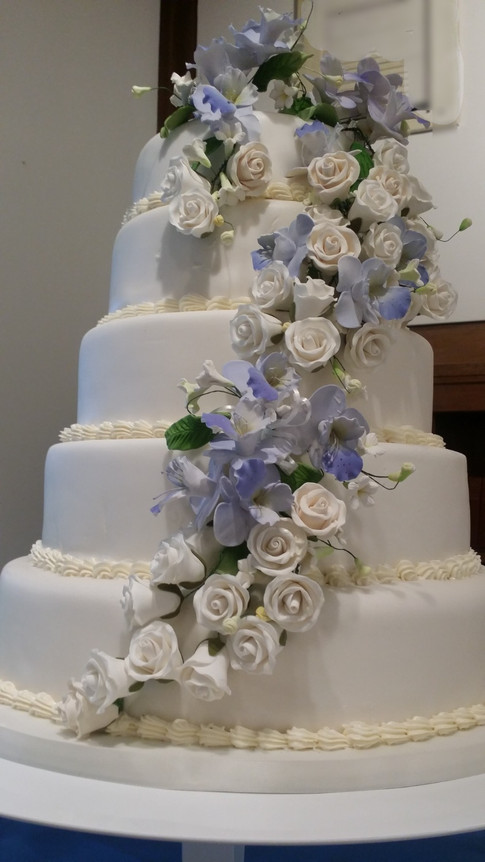 Designer Wedding Cake - Guns n' Roses