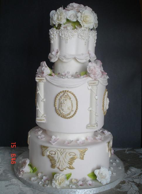 Designer Wedding Cake - She's Royal