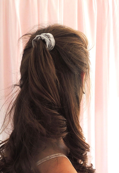 Pale Grey Silk Mini Astrid Scrunchie