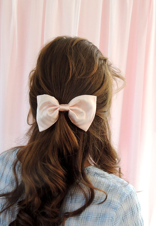 Shell Pink Silk Lily Hair Bow
