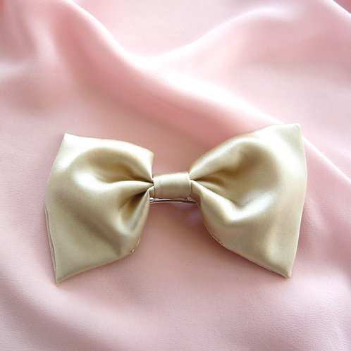 Champagne Silk Lily Hair Bow
