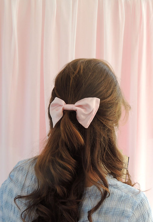 Petal Pink Silk Lily Hair Bow