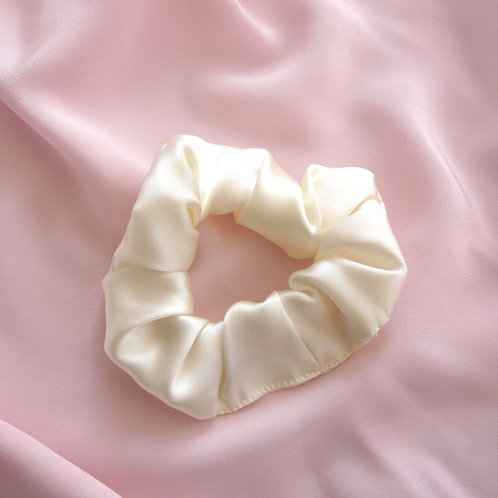 Buttercream Silk Astrid Scrunchie