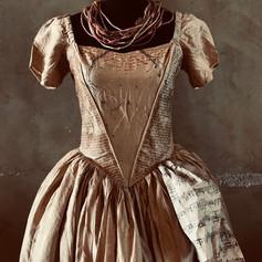 שמלת גאולה