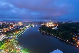 Darul-Hana-Bridge-spanning-the-Sarawak-r