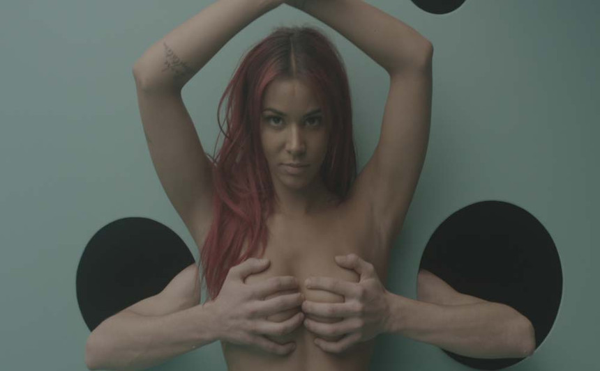 "Screenshot from Music video _ Shy'm ""l'effet de serre"""