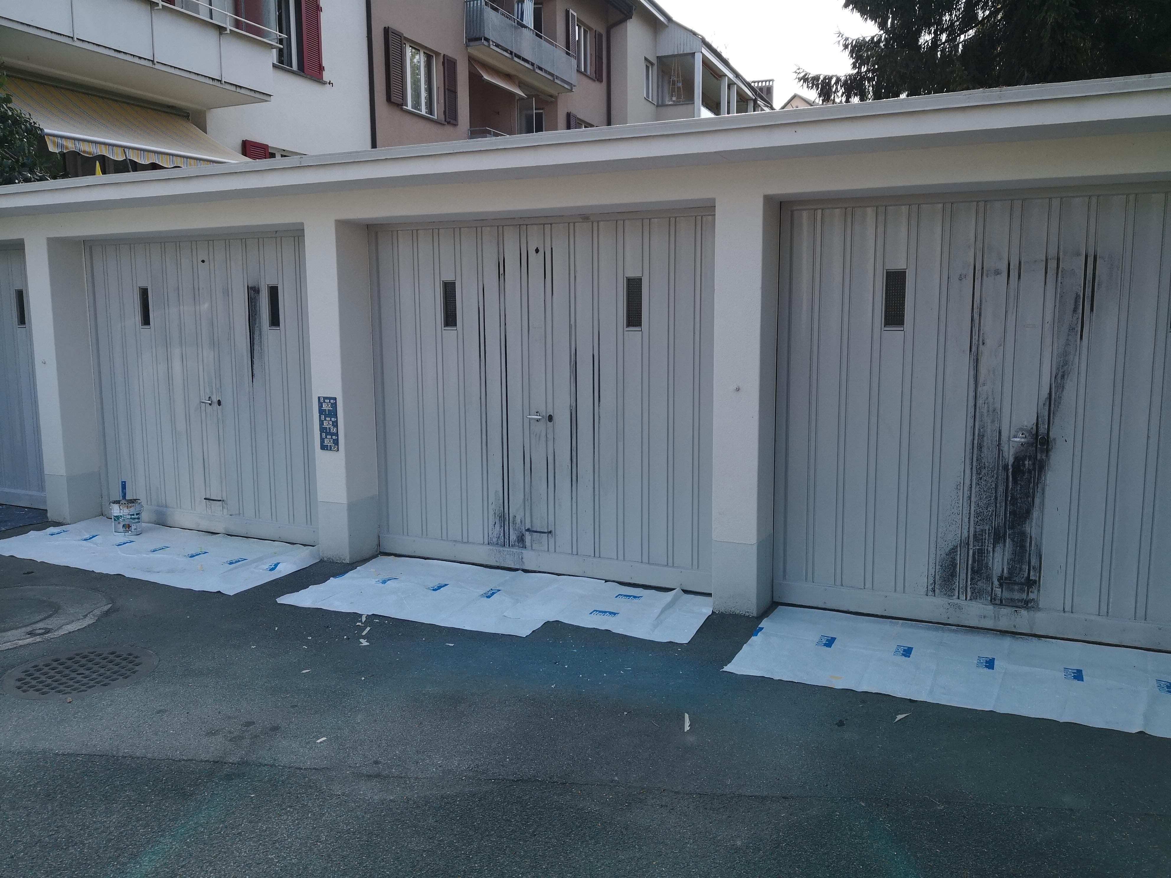 Graffitti entfernung Garagetor