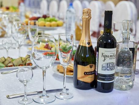 Алкогольные и безалкогольные напитки: что выбрать и как рассчитать количество?
