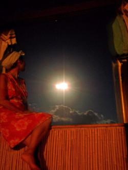 和室からの月光浴。ぼーっとする贅沢。