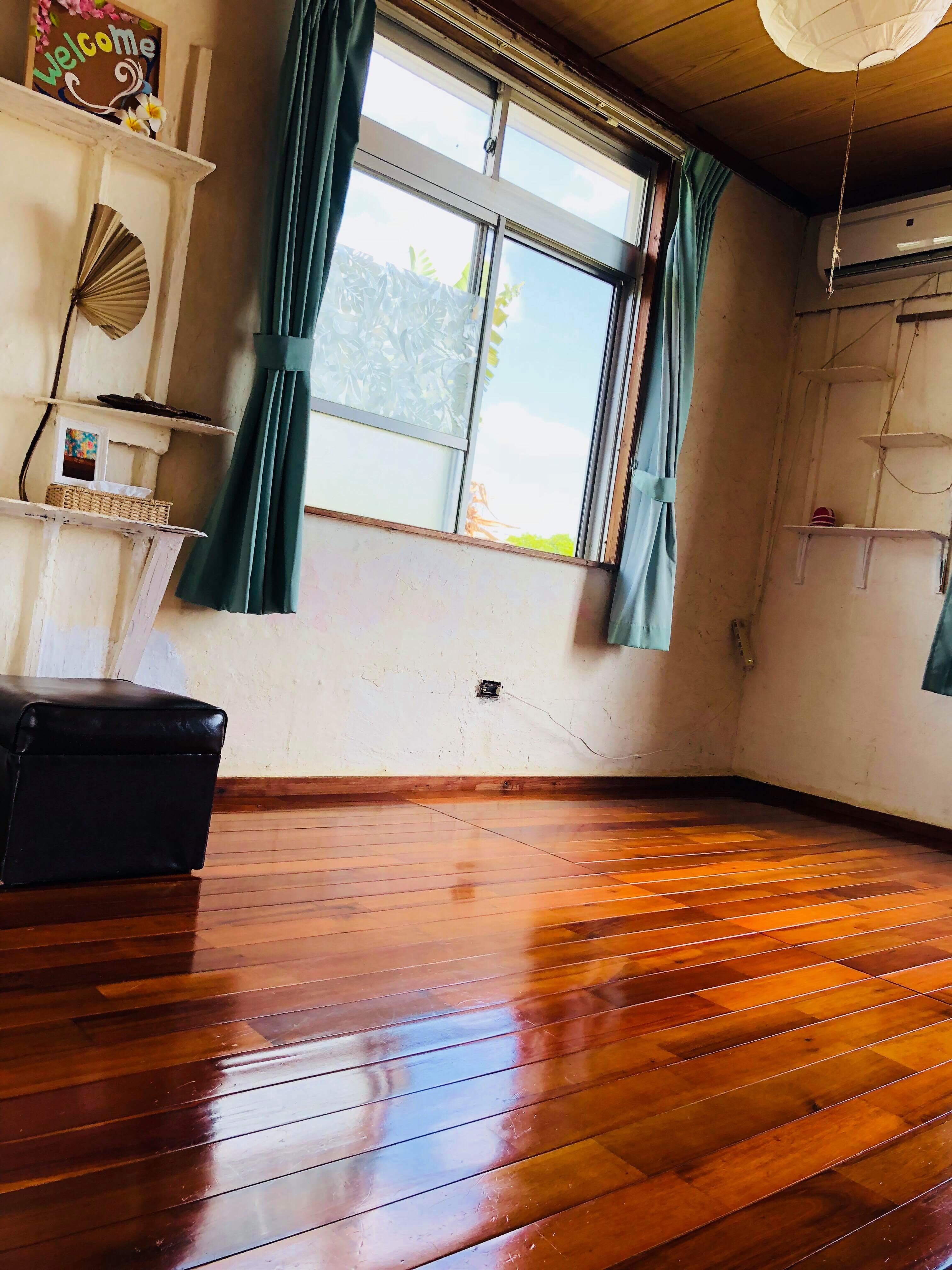 漆喰エアコン洋室