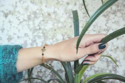 bracelet doré et vert.jpg