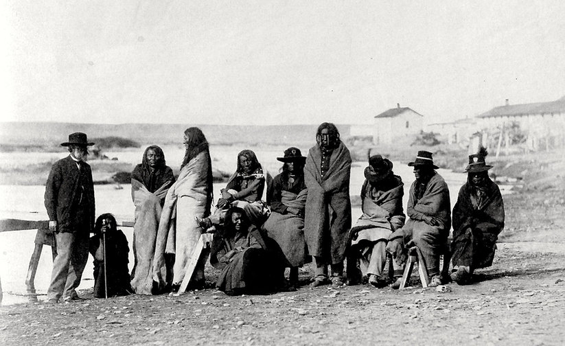 Crow delegates at Laramie 1868_edited.jp