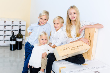 Max, Elisa, Johannes & Lara Strauss