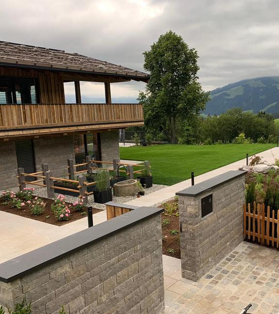 Privatvilla Tirol (Material: Pietra Piasentina)