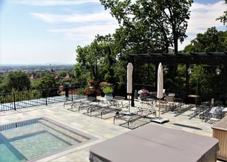 Villa Graz (Material: Luserna Gneis)
