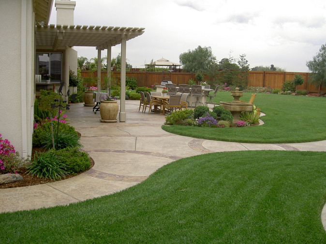 Landscaping adds to Relaxing Backyard