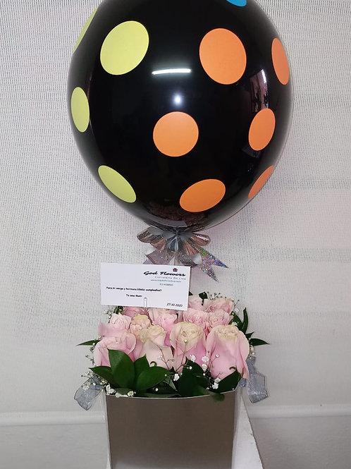Caja de rosas con globo lim