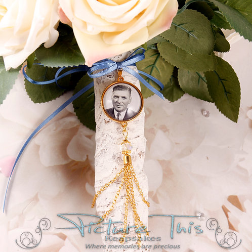 Classic Bouquet charm with Chain Tassel.