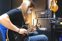 Tracking Guitars with the Evertune