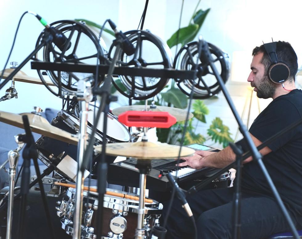 Dizzy Drummer