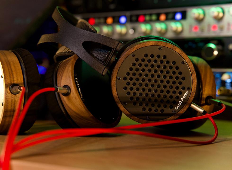 Highest quality tracking headphones