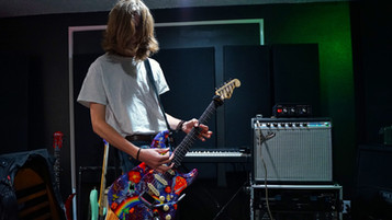 Tracking guitars witha Fedner Princton