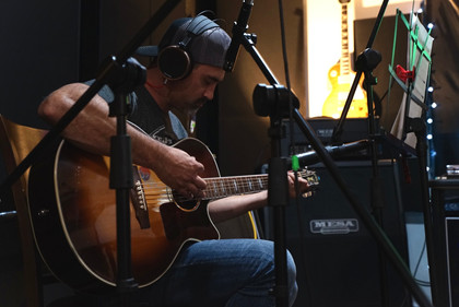 Tracking Acoustic Guitars