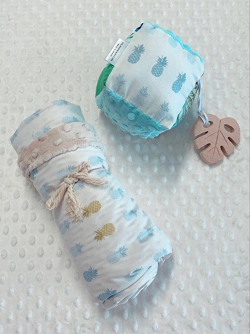 Blue/White Pineapples Baby Set
