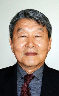 Elder Hyungtae Suh.jpg