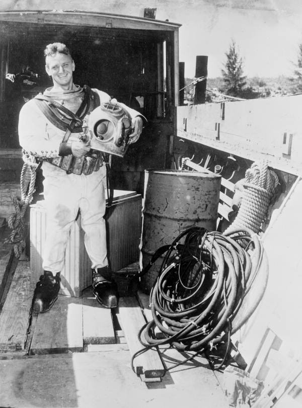 Treasure hunter Art McKee posing in his diving suit - Plantation Key, Florida