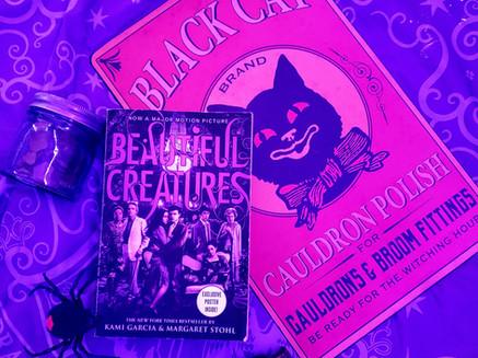 """Beautiful Creatures : Book 1"" by Kami Garcia & Margaret Stohl & GIVEAWAY WINNER"
