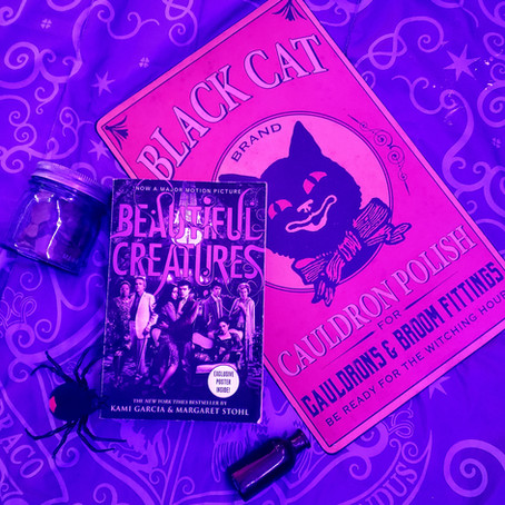 """Beautiful Creatures : Book 1"" by Kami Garcia & Margaret Stohl & GIVEAWAY WINNER"