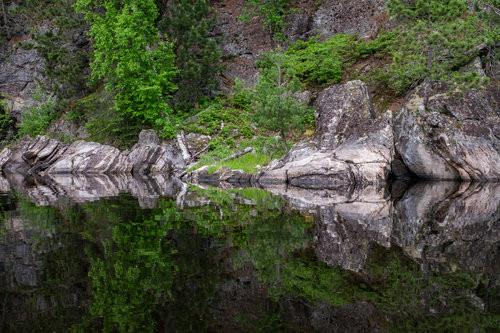3 billion year-old rocks — half the age of Earth!