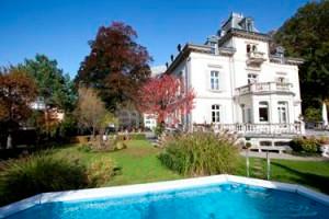 Mitloedi's White Villa
