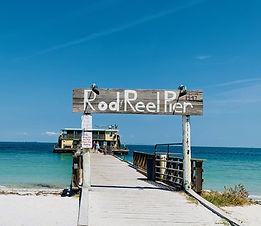 Rod N Reel Pier sign in Florida.