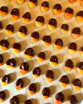 DARK CHOCOLATE DIPPED TURKISH APRICOTS