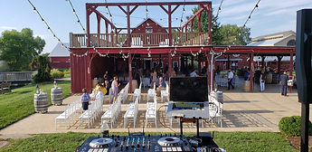 Riverview Entertainment Barn Ceremony