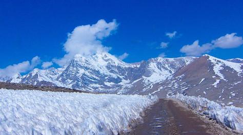 India times _ Way to Gurudongmar Lake in Sikkim.jpg