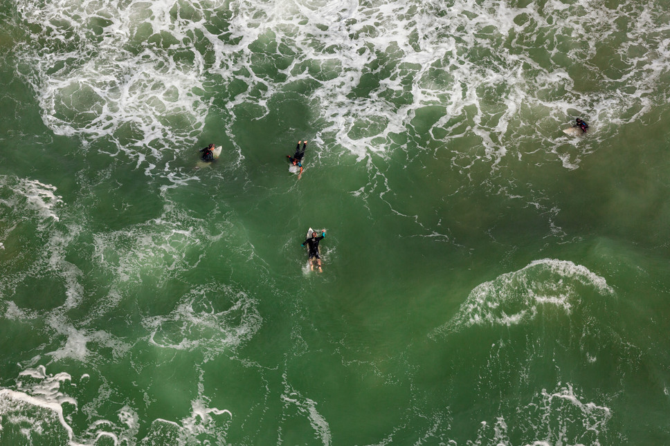 Mediterranean Coast_Israel_Surfers 12.jp