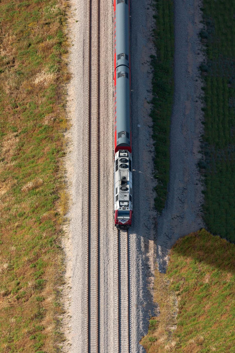 Corporate_Israeli Train 001.jpg
