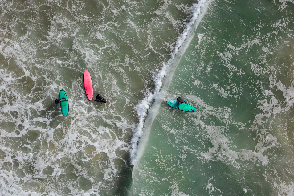 Mediterranean Coast_Israel_Surfers 17.jp