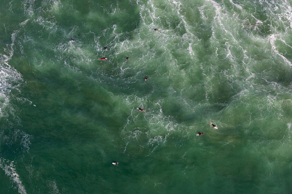 Mediterranean Coast_Israel_Surfers 003.j