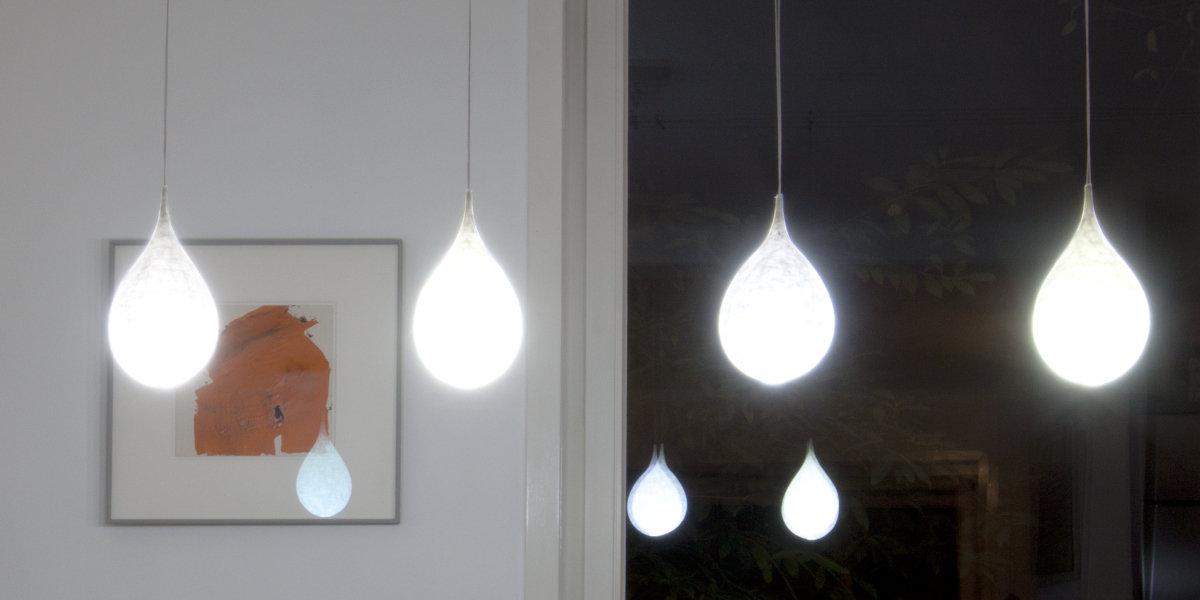 Handgefertigte Leuchten aus Papier   helle Akzente in differenzierter Farbigkeit