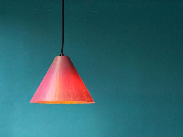 Cono di Luce  handgefertigte Pendelleuchte aus gefärbtem Japanpapier