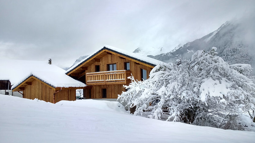 Ski chalet build by ECSUS Design in the French Alps